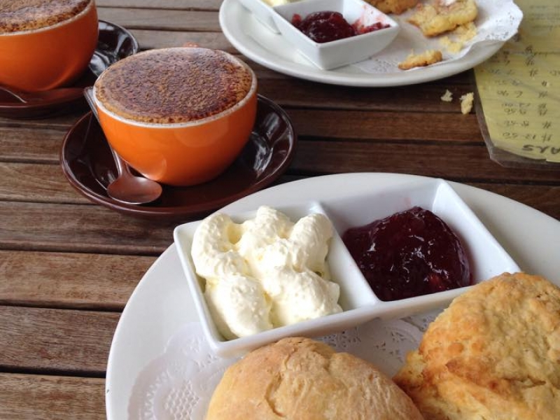 Montville cafe for sale call 0432 554 775